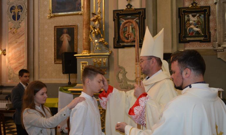 У храмі св. Антонія парафіяни прийняли Таїнство Миропомазання