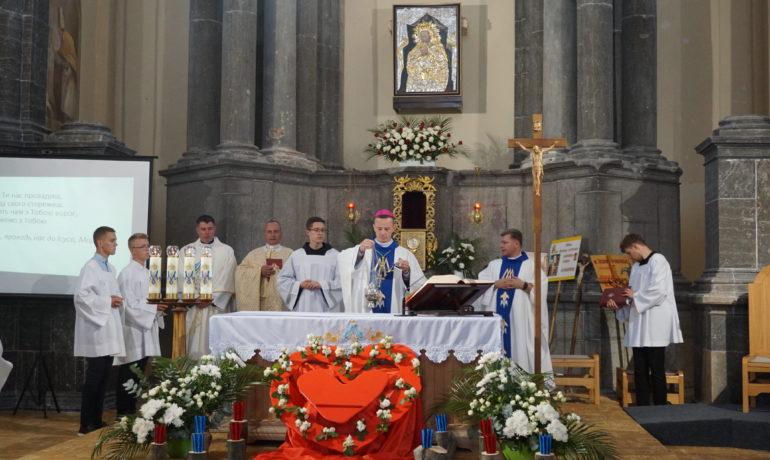 Нічне чування в Санктуарії Матері Божої Миру та поєднання в Більшівцях