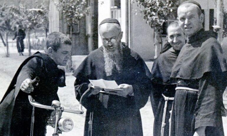 Очами св. Максиміліана (1)